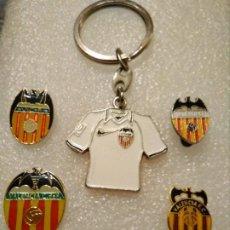 Coleccionismo deportivo: LOTE PINS INSIGNIAS FÚTBOL VALENCIA FC. Lote 189975146