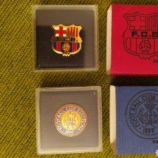 Collectionnisme sportif: PINS EDICIÓN LIMITADA CENTENARIO DEL FC BARCELONA. PRIMER ESCUDO Y ESCUDO ACTUAL. SERIE 349 DE 1899.. Lote 190541722