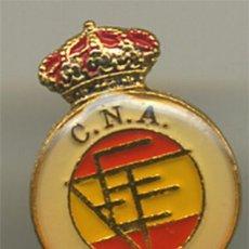 Colecionismo desportivo: FEDERACION ESPAÑOLA COLEGIO NACIONAL ARBITROS DE SOLAPA ANTIGUO PIN DE FUTBOL. Lote 191420721