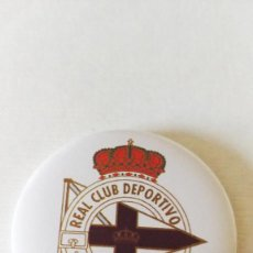 Coleccionismo deportivo: CHAPA DEL REAL CLUB DEPORTIVO DE LA CORUÑA - IMAN DE 58MM. Lote 172691005