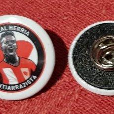 Colecionismo desportivo: PINS ATHLETIC CHAPA ENGANCHE PIN ANTIRAZISTA. Lote 192686365