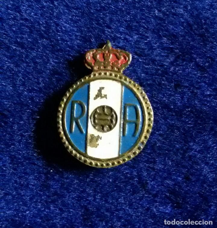 ANTIGUA INSIGNIA ESMALTADA FUTBOL REAL AVILES (Coleccionismo Deportivo - Pins de Deportes - Fútbol)