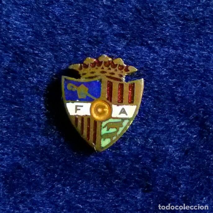 ANTIGUA INSIGNIA ESMALTADA FUTBOL ANDORRA (Coleccionismo Deportivo - Pins de Deportes - Fútbol)