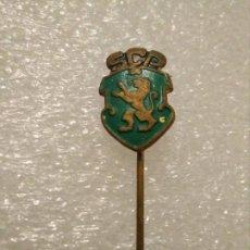 Coleccionismo deportivo: PINS INSIGNIA FÚTBOL EXTRANJERO SPORTING DE LISBOA (PORTUGAL). Lote 195045752
