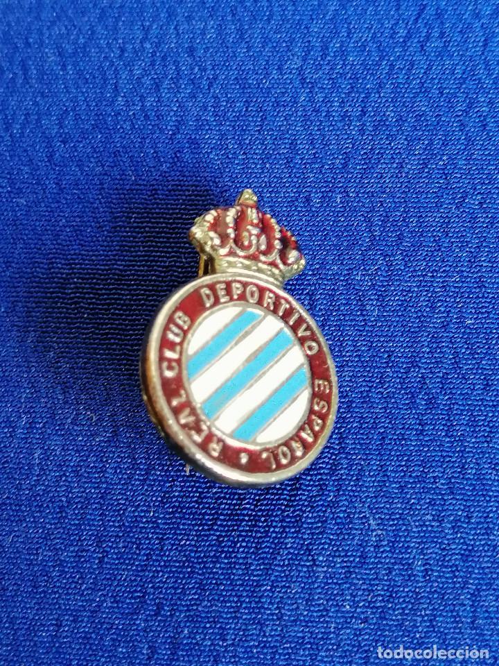 INSIGNIA REAL CLUB DEPORTIVO ESPAÑOL (ALFILER) (Coleccionismo Deportivo - Pins de Deportes - Fútbol)