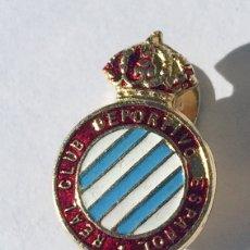 Coleccionismo deportivo: ANTIGUA INSIGNIA DE ALFILER,REAL CLUB DEPORTIVO ESPAÑOL,SOLAPA,ESPANYOL. Lote 195612460
