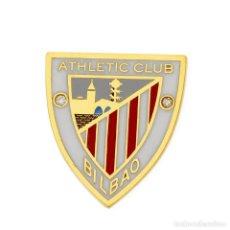 Coleccionismo deportivo: PIN ATHLETIC CLUB BILBAO EN ORO AMARILLO 18 KT CON DIAMANTE Y ESMALTE. Lote 196748308