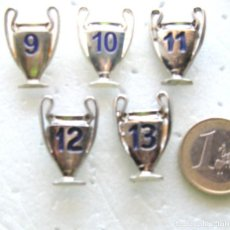 Coleccionismo deportivo: LOTE 5 PINS REAL MADRID CAMPEON CHAMPION LEAGUE Nº 9-10-11-12-13 PIN INSIGNIA METAL BADGE. Lote 199623550