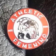 Coleccionismo deportivo: ATHLETIC CLUB BILBAO PIN PEÑA ATHLETIC FEMENINO. Lote 295490688