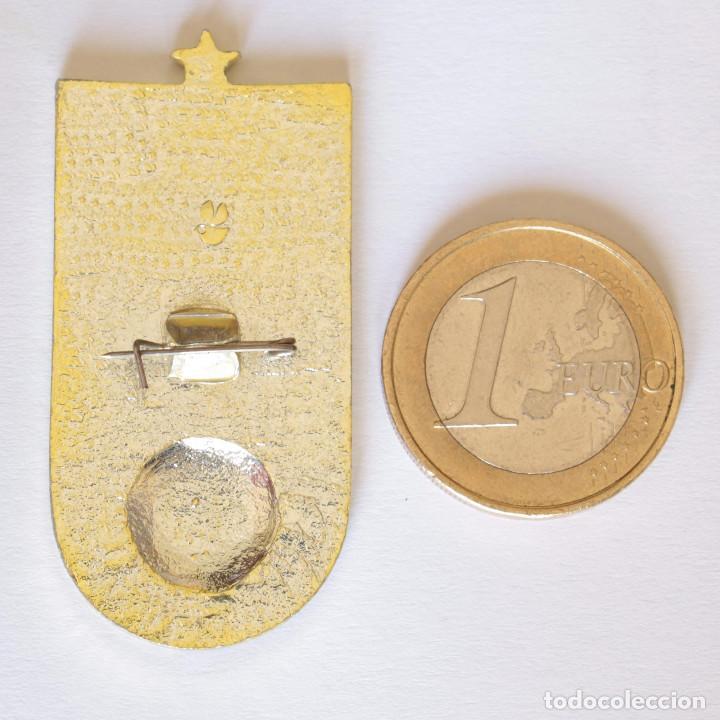 Coleccionismo deportivo: PIN DINAMO DE KIEV CAMPEON COPA UNION SOVIETICA - Foto 2 - 202763276