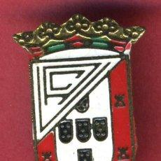 Collezionismo sportivo: PIN INSIGINIA FUTBOL DESCONOZCO AGUJA ORIGINAL PF6. Lote 202777853