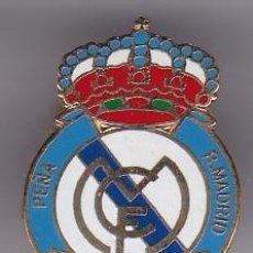 Colecionismo desportivo: PIN DE LA PEÑA DE FUTBOL DEL REAL MADRID DE MELILLA (FOOTBALL) CEUTA Y MELILLA. Lote 203883050