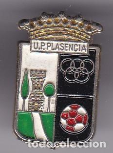 PIN DE FUTBOL DEL CLUB DEPORTIVO PLASENCIA (FOOTBALL) CACERES (Coleccionismo Deportivo - Pins de Deportes - Fútbol)