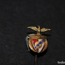 Coleccionismo deportivo: PIN - INSIGNIA DE AGUJA ESMALTADA EQUIPO DE FUTBOL SLB BENFICA LISBOA (SPORTING DE LSIBOA). Lote 204467353