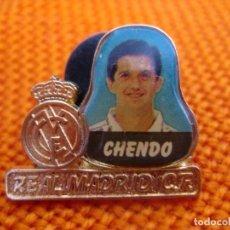 """Coleccionismo deportivo: PIN - FÚTBOL ''CHENDO - REAL MADRID""""./ METAL, EL JUGADOR ESMALTADO.. Lote 204723136"""