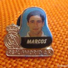 """Coleccionismo deportivo: PIN - FÚTBOL ''MARCOS - REAL MADRID""""./ METAL, EL JUGADOR ESMALTADO.. Lote 204724682"""