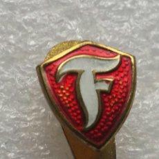 Colecionismo desportivo: PIN FUTBOL FIRESTONE, C.F.. Lote 205287817