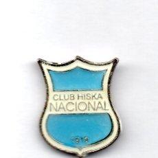 Coleccionismo deportivo: FUTBOL DE BOLIVIA, CLUB HISKA NACIONAL, PIN. Lote 206280087