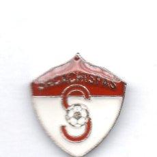 Coleccionismo deportivo: FUTBOL DE GUATEMALA, CLUB SACACHISPAS, PIN. Lote 206281222