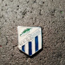 Coleccionismo deportivo: PIN U. F. LA OLIVA - SEVILLA. Lote 207134048