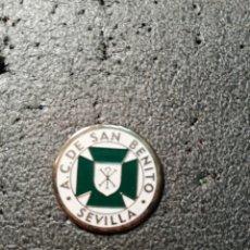 Coleccionismo deportivo: PIN A. C. SAN BENITO - SEVILLA. Lote 207134375