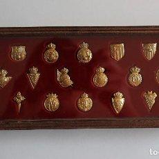 Collezionismo sportivo: COLECCIÓN DE 20 PINS/INSIGNIAS DE ORO CLUBS DE FUTBOL DE LA LIGA TEMPORADA 2003/2004. Lote 207181868