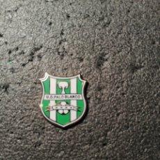 Collezionismo sportivo: PIN U. D. PALO BLANCO - LOS REALEJOS (TENERIFE). Lote 207326347