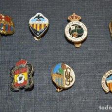 Coleccionismo deportivo: VINTAGE - LOTE 7 PINS / INSIGNIAS - FUTBOL / DIFERENTES ÉPOCAS, EQUIPOS, CLUBS, ETC.. ¡MIRA! LOTE 03. Lote 207519475