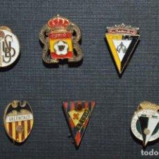 Coleccionismo deportivo: VINTAGE - LOTE 7 PINS / INSIGNIAS - FUTBOL / DIFERENTES ÉPOCAS, EQUIPOS, CLUBS, ETC.. ¡MIRA! LOTE 06. Lote 207522530