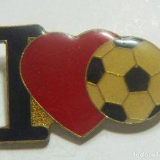 Coleccionismo deportivo: PIN I LOVE FUTBOL. Lote 208872383