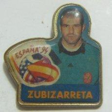 Coleccionismo deportivo: PIN MUNDIAL FÚTBOL ESTADOS UNIDOS 94 1994 ZUBIZARRETA. Lote 208874173