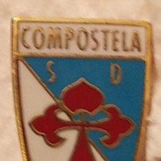 Colecionismo desportivo: PIN FUTBOL - A CORUÑA - SANTIAGO DE COMPOSTELA - SD COMPOSTELA. Lote 209080205
