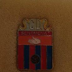 Colecionismo desportivo: PIN C.D. SENTMENAT FEDERACION CATALANA FUTBOL. Lote 209883408