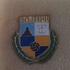 Colecionismo desportivo: PIN TEIDE C.F. DE CERDANYOLA DEL VALLES FEDERACION CATALANA FUTBOL. Lote 210062171