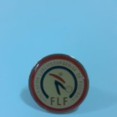 Coleccionismo deportivo: PIN FEDERATION LUXEMBOURGEOISE DE FUTBOL (2340). Lote 210305225