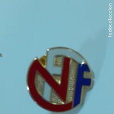Coleccionismo deportivo: PIN ASOCIACIÓN DE FUTBOL DE NORUEGA (2346). Lote 210305543