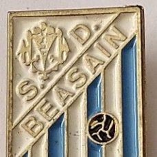 Coleccionismo deportivo: PIN FUTBOL - GUIPUZCOA - BEASAIN - S.D. BEASAIN. Lote 210540095