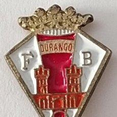 Coleccionismo deportivo: PIN FUTBOL - BIZKAIA - DURANGO - FCB. Lote 210543291