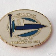 Coleccionismo deportivo: PIN FUTBOL - ARABA - VITÒRIA-GASTEIZ - DEPORTIVO ALAVES. Lote 210543687