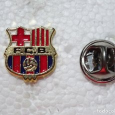 Coleccionismo deportivo: PIN DE DEPORTES. FÚTBOL. FC BARCELONA. ESCUDO EQUIPO. Lote 210697505