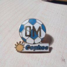 Coleccionismo deportivo: PIN DE CLIP O PINCHO TEMA FUTBOL OM - COPHOC. ESMALTADA. Lote 211822895