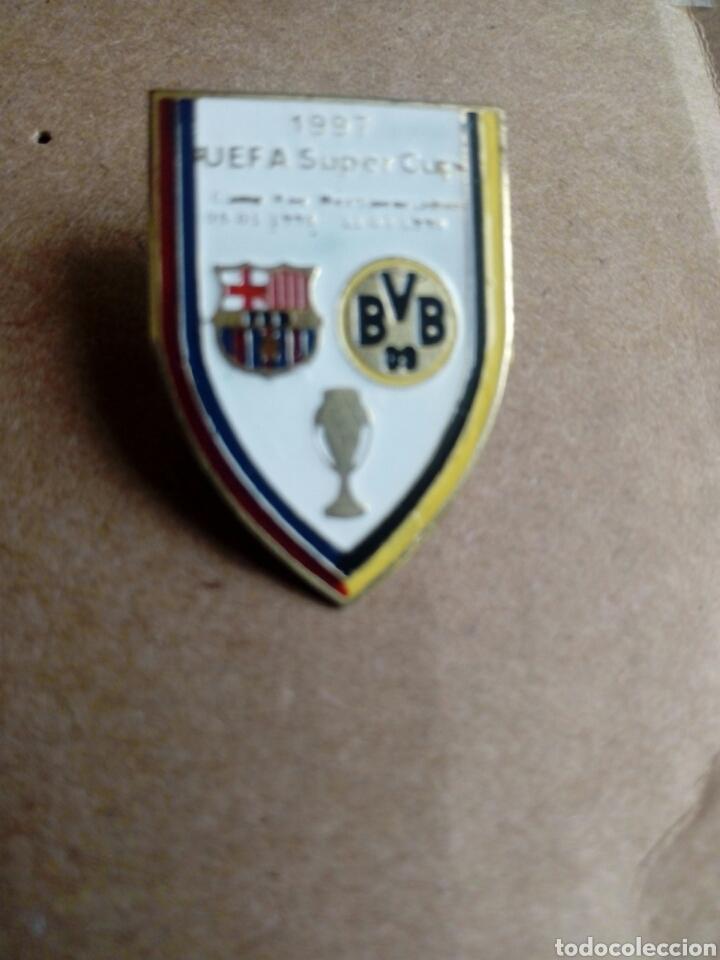 PIN DE CLIP FUTBOL 1997 UEFA SUPER COPA BARÇA BVB ALEMANIA (Coleccionismo Deportivo - Pins de Deportes - Fútbol)