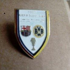 Coleccionismo deportivo: PIN DE CLIP FUTBOL 1997 UEFA SUPER COPA BARÇA BVB ALEMANIA. Lote 212922566