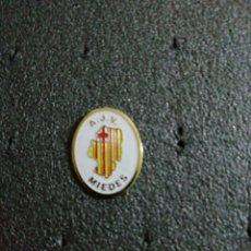 Collezionismo sportivo: PIN A. J. V. MIEDES. Lote 213265955