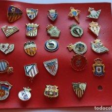 Colecionismo desportivo: 24 PINS DE EQUIPOS DE FÚTBOL B2. Lote 213523400