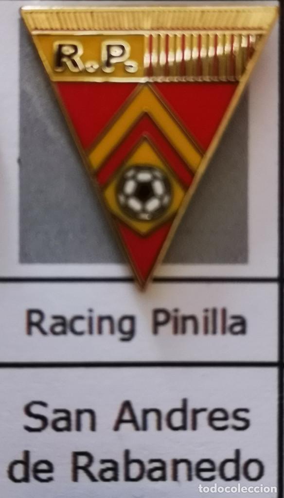 PIN FUTBOL - LEON - SAN ANDRES DE RABANEDO - RACING PINILLA (Coleccionismo Deportivo - Pins de Deportes - Fútbol)