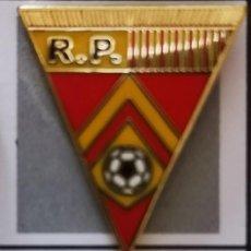 Coleccionismo deportivo: PIN FUTBOL - LEON - SAN ANDRES DE RABANEDO - RACING PINILLA. Lote 213755822