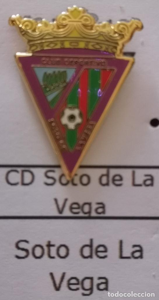 PIN FUTBOL - LEON - SOTO DE LA VEGA - CD SOTO DE LA VEGA (Coleccionismo Deportivo - Pins de Deportes - Fútbol)