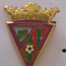 Coleccionismo deportivo: PIN FUTBOL - LEON - SOTO DE LA VEGA - CD SOTO DE LA VEGA. Lote 213756347