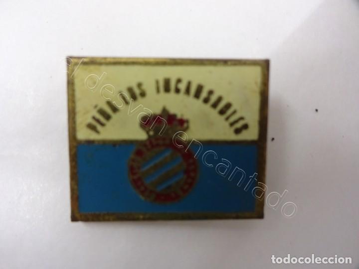 INSIGNIA DE SOLAPA RCD ESPAÑOL. PEÑA LOS INCANSABLES (Coleccionismo Deportivo - Pins de Deportes - Fútbol)